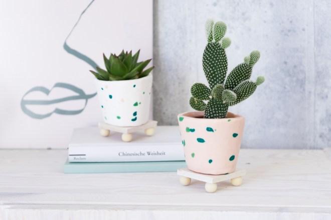 DIY FIMO Mini Plant Stand schereleimpapier DIY Blog kreative Tutorials für DIY Geschenke, DIY Möbel und DIY Deko zum Basteln