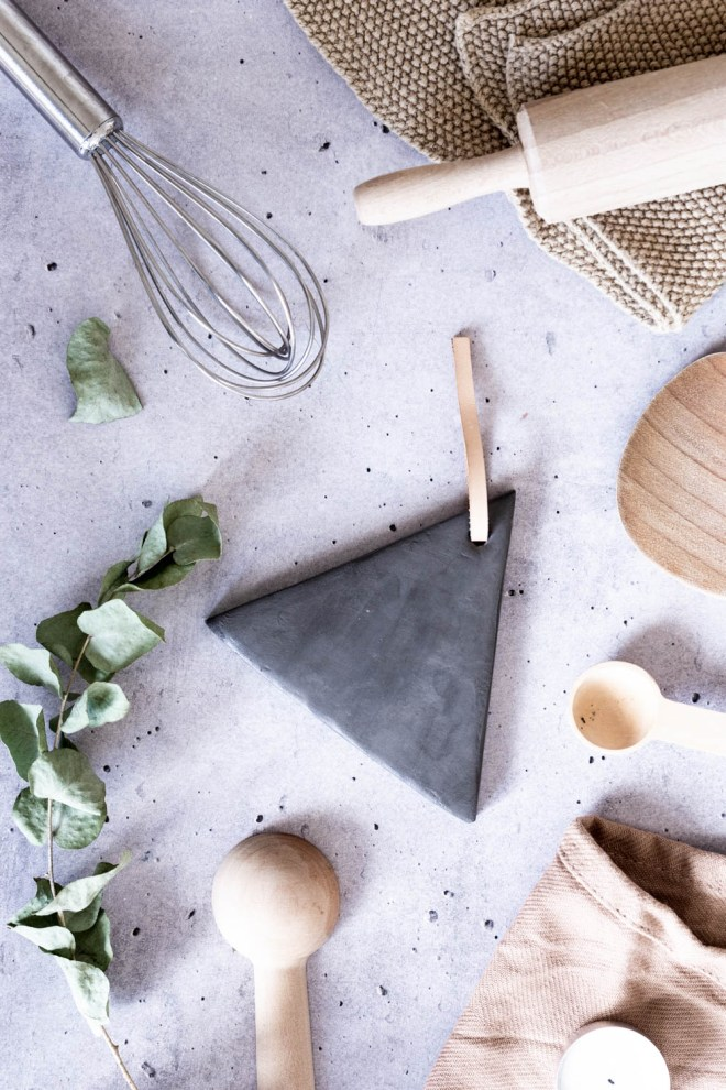 DIY Geschenk aus Keramik selber machen-schereleimpapier DIY Blog kreative Tutorials für DIY Geschenke, DIY Möbel und DIY Deko zum Basteln