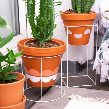 DIY Pflanzenständer selber machen Hack -schereleimpapier DIY und Upcycling Blog aus Berlin - kreative Tutorials für DIY Geschenke, DIY Möbel und DIY Deko zum Basteln