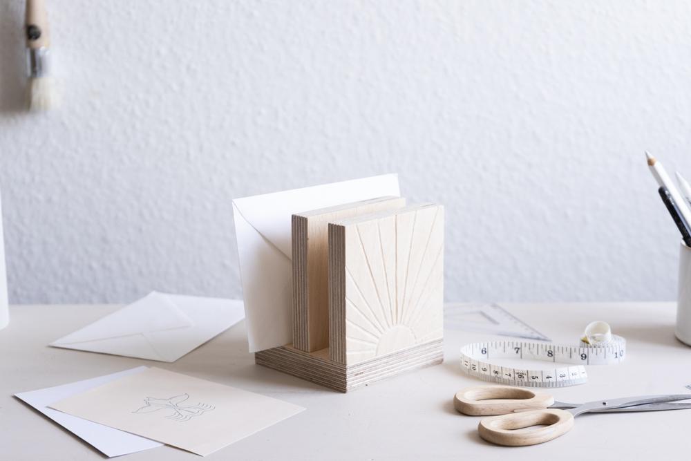 DIY Deko aus Holz schereleimpapier kreative Tutorials für DIY Geschenke, DIY Möbel und DIY Deko zum Basteln