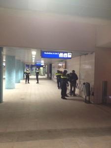 Preventief fouilleren station Schiedam Centrum leverde dit maal geen bijzonderheden op. De RET controleerde zowel overdag als 's avonds op de tramlijnen 21 en 24. Minder dan 1 procent van de reizigers bleek zwart te reizen.