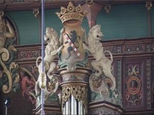 Om 10 uur start de inloop met koffie en thee in het Stedelijk Museum aan de Hoogstraat 112. Vanaf 10.30 wordt daar het Hess-orgel uit 1773 gedemonstreerd. Rond 11.15 uur kan iedereen verzamelen in de Oud-Katholieke Kerk aan de Dam 30 waar een presentatie plaatsvindt van het Strümphler-bureauorgel uit 1790 en van het Bätz/Witte-orgel uit 1872. In de Kerk van de Nederlandse Protestantenbond aan de Westvest 90 wordt vanaf 12.00 uur het Standaart-orgel uit 1914 bespeeld. Tegen 12.30 uur wordt een korte lunchpauze gehouden en kunnen de bezoekers de Havenkerk aan de  Lange Haven 75 bezichtigen. Om 13.10 uur start de presentatie van het Verschueren-orgel uit 1957 in de Nederlands Gereformeerde Kerk aan de Lange Haven 33. Vanaf 14.00 uur wordt het Rütter-orgel uit 1881 bespeeld in de Plantagekerk aan de Lange Nieuwstraat 61. In de Basiliek van de Heilige Liduina en Onze-Lieve-Vrouw van de Rozenkrans, aan de Singel 104, wordt vanaf 15.00 uur het slotconcert gehouden door Bas van Houte, organist van de Liduina Basiliek en Arjen Leistra. Zij bespelen afzonderlijk en gezamenlijk het Pelgrim-kistorgel uit 1998 en het Franssen-orgel  uit 1888.