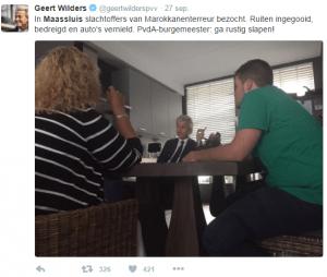 """Geert Wilders (PVV) heeft begrepen dat een vrouw bij wie de ruiten zijn ingegooid werd toegeroepen door een  Marokkaans jongetje van een jaar of drie jaar: """"He vuile kankerhoer jij bent een kankerslet"""".  Dat schrijft Wilders in een reeks Kamervragen naar aanleiding van zijn korte bezoek aan Maassluis."""