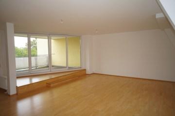 Wunderschöne 4-Zimmer-Dachgeschosswohnung mit großer Dachterrasse in Lichterfelde, 12205 Berlin / Lichterfelde, Dachgeschosswohnung