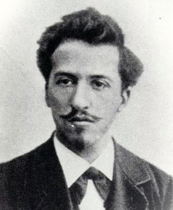 Piet Mondriaan in 1899   Studio Cosman / RKD Den Haag