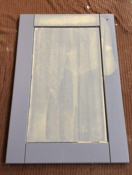 Gegronde deurtjes waar nodig plamuren