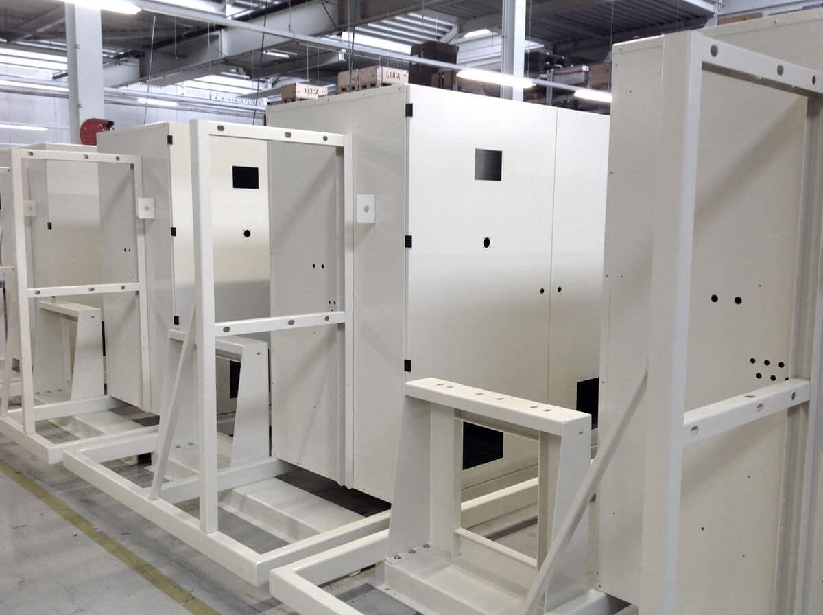 Schaltschrank/Konsole für Wasseraufbereitung - Schaltschrank/Konsole für Wasseraufbereitung auf vormontierten Formrohrkonsolen.