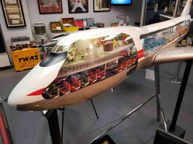 TWA 747 Party Deck!!!