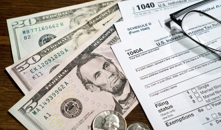 tax return form and money