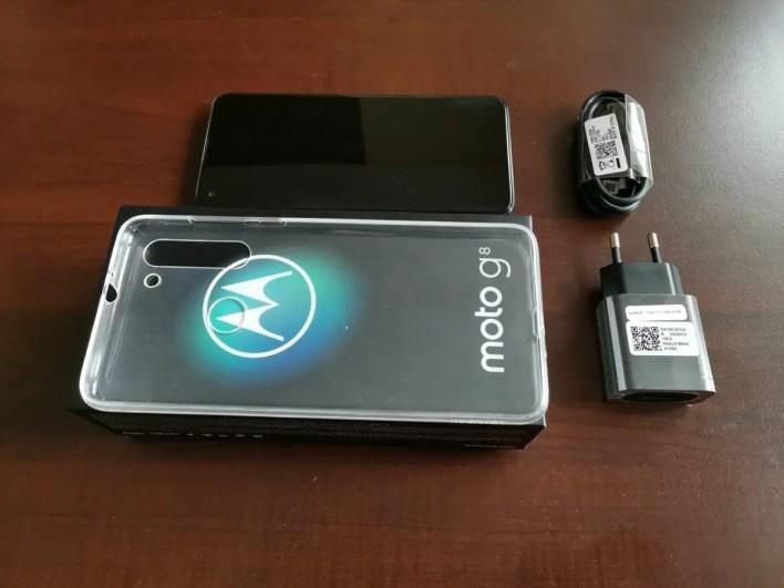 Motorola Moto G8 Lieferumfang