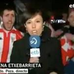Reporterin und betrunkener Fan