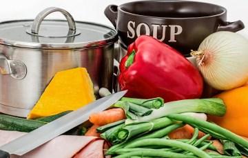 Gemüsefond im Schnellkochtopf selber machen