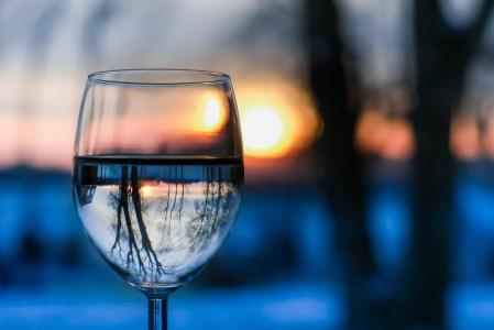 Perfekte Fasten-Kost: ein Glas Wasser!