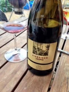 Jaspis 2005, Pinot Noir unfiltriert von Ziereisen