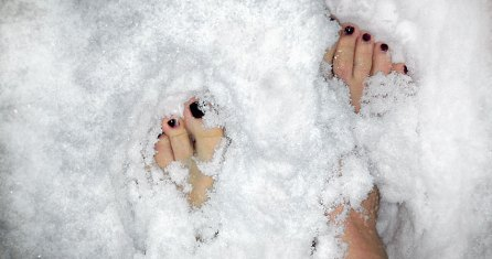 Barfuß in den Schnee