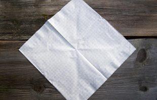 serviette-aufgeklappt