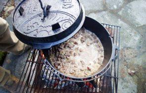 Gulasch draußen kochen