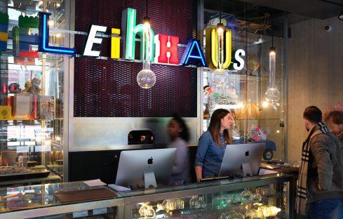 Rezeption Leihhaus- 25hours Hotel Zürich Langstrasse