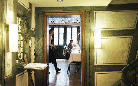 Eingang zur Gaststube - Zum Goldenen Schäfli