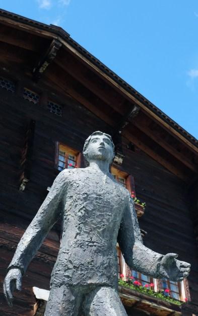 Cäsar Ritz Statue Niederwald