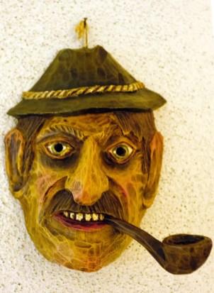 Alte geschnitzte Maske