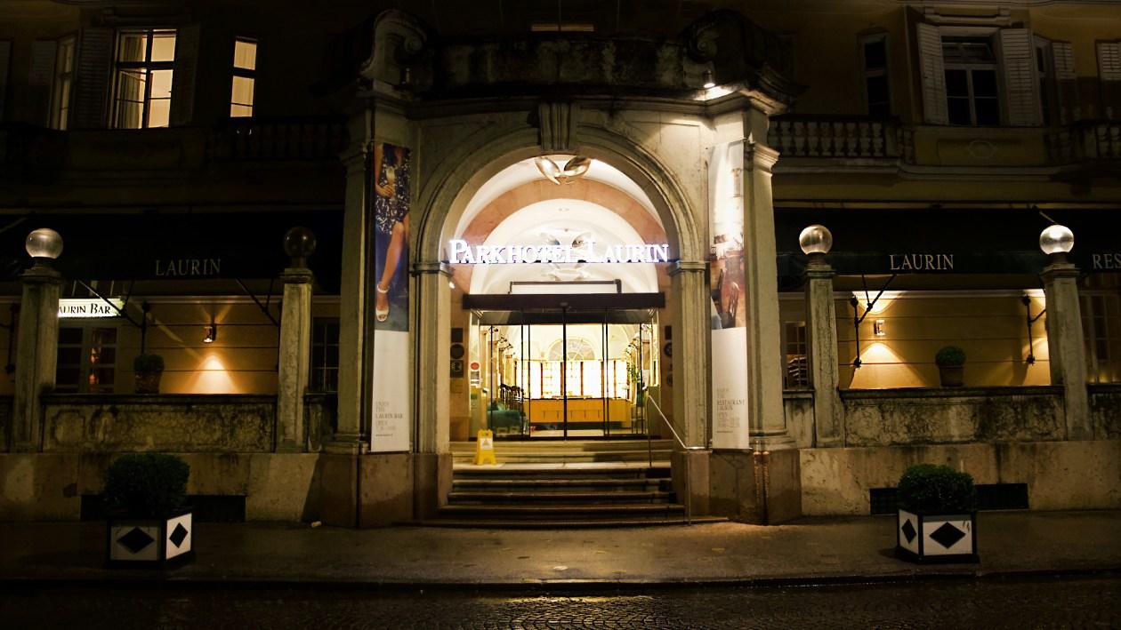Parkhotel Laurin bei Nacht
