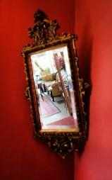Spiegel im Treppenhaus