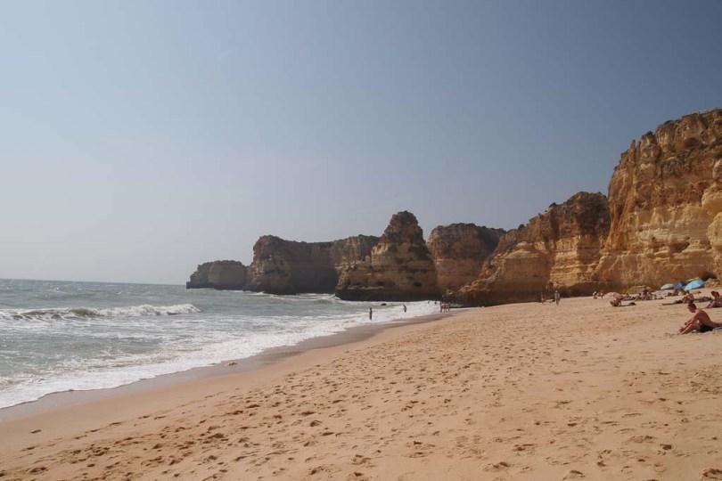 Praia da Marina an der Algarve - Portugal