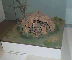 Model of Mesolithic house at Mount Sandel, Northern Ireland. By Notafly (Own work) [CC-BY-SA-3.0 (http://creativecommons.org/licenses/by-sa/3.0)], via Wikimedia Commons