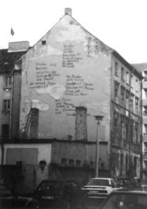 Fassade in der Kleinen Rosenthaler Straße. Foto: Petra Elsner