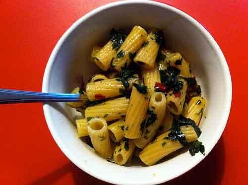 pasta mit bärlauch-chili