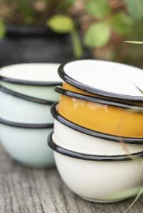 Schälchen Bowl Emaille Schale grüne creme gelb blau Camping Outdoor Geschirr