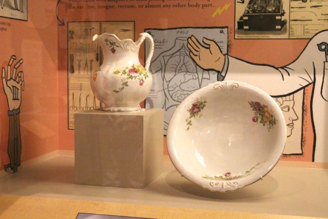 Washstand pitcher and basin