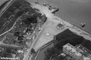 Den Helder – Luchtfoto van het Havenplein