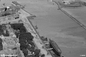 Den Helder – Luchtfoto van de haveningang