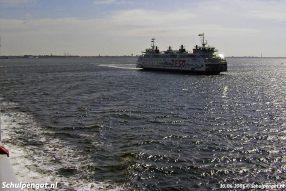 Op 30 juni 2005 vaart de nieuwe TESO-ferry Dokter Wagemaker voor het eerst van de werf in Vlissingen naar Texel.