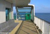 Het promenadedek van de veerboot Dokter Wagemaker is ruim en heeft genoeg plaats voor uitwaaien en uitzicht over het Marsdiep.