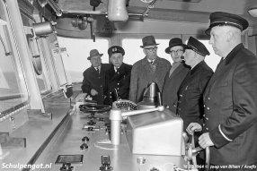 Kapitein tijdens de officiele proefvaart was K.L. Schagen, zijn broer P.J. Schagen was de stuurman.