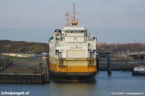 De TESO-dubbeldekker Schulpengat (1990) in de veerhaven van Texel ('t Horntje).