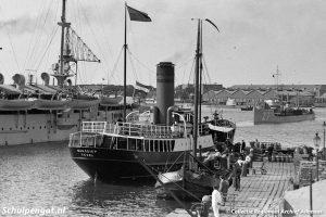 Marsdiep (1926) – Den Helder met Marine