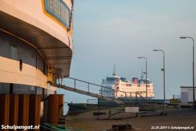 Na het steigerdebacle is de Schulpengat de enige inzetbare veerboot en dus de dienstboot.