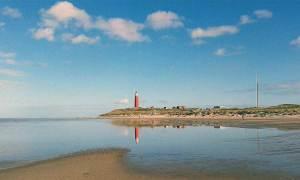 Texel-vuurtoren-strand-middle
