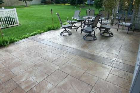 Patio in Lg. Ashlar Slate with Slate bands and Borders