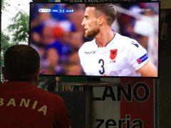 Spannung beim Spiel gegen Frankreich