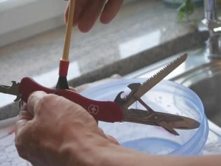 pflege schweizer taschenmesser