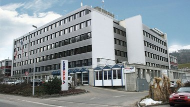 Der Firmensitz von Intersport PSC in Ostermundigen. Bild: www.intersport.ch