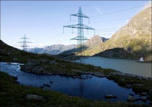Stromleitung von Repower, die künftig auch dem EKZ und einem UBS-Fonds gehören werden. Bild: www.repower.ch