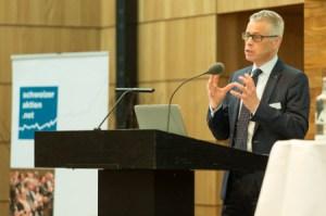 Urs. P. Gauch, Leiter Firmenkunden Raiffeisen Schweiz.