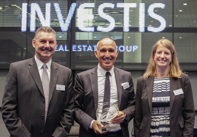 René Häsler, CFO, Stéphane Bonvin, CEO und Catherine Dubey, Head of Real Estate Services der Investis Holding AG. Bild: www.six-swiss-exchange.com