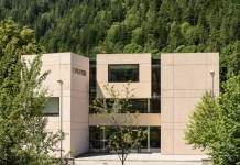 Moderne Gebäude ersetzen zunehmend alte Gemäuer.